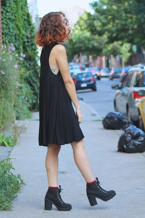 black loose Bershka dress