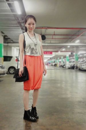 black shoes - black Mphosis purse - black necklace - orange skirt - gray H&M t-s