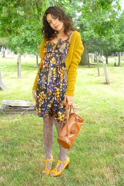 vintage jacket - Matalan shoes - Primark stockings - thrifted accessories - H an