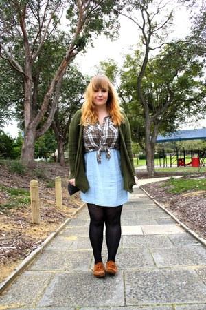 brown Minnetonka shoes - light blue cotton on dress