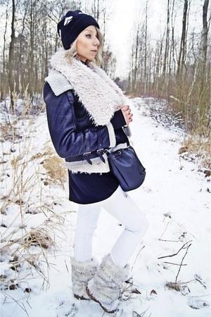 cream fur CCC boots - black leather Zara jacket