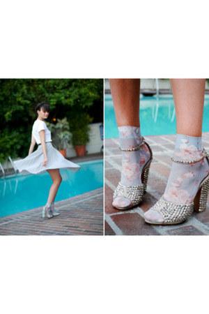 heels - socks