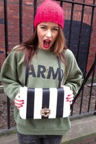 Accesorize bag - army green Urban Outfitters sweater