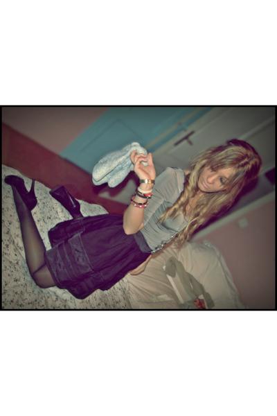 black Topshop skirt - gray hm shirt - black little shop in paris shoes