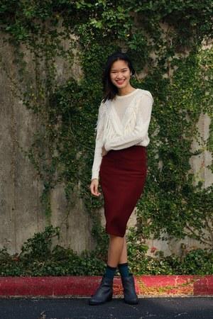 ivory Forever 21 sweater - crimson H&M skirt