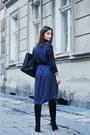 Black-stradivarius-boots-navy-zara-dress