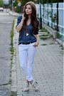 Blue-secondhand-blouse-white-pull-bear-pants-off-white-zara-heels