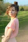 Light-pink-h-m-shirt-brown-artz-modell-bag-off-white-h-m-shorts-necklace-h