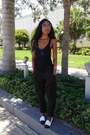 Black-tank-top-james-perse-shirt-black-olive-and-oak-nyc-pants