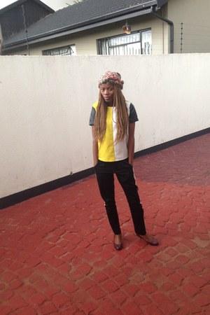monochrome Anisa Mpungwe top