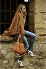 Blue-rwd-jeans-camel-mango-bag-camel-cardigan-white-new-look-heels
