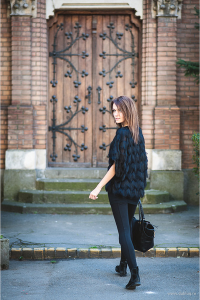 black strech Zara tights - black leather H&M bag