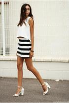 shorts - top - sandals