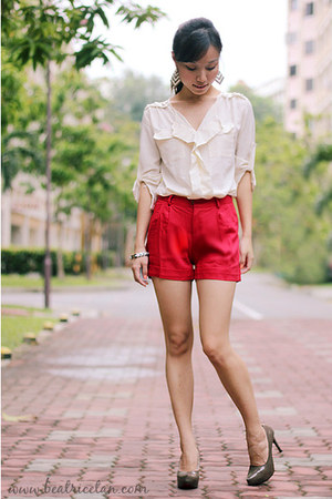 polyester ladyhaute shorts - polyester bangkok blouse - patent taiwan heels