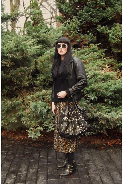 black asos boots - black Primark sweater - black Urban Outfitters bag