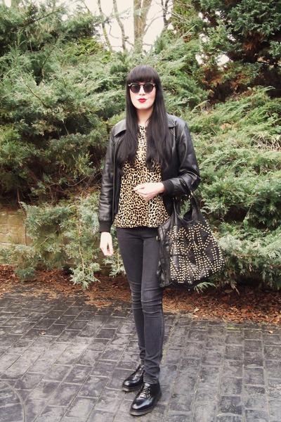 black Topshop jeans - black Resurrection NYC jacket - black Deena & Ozzy bag