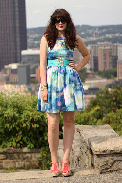 pitaya belt - modcloth dress - Betsy Johnson sunglasses - Steve Madden wedges