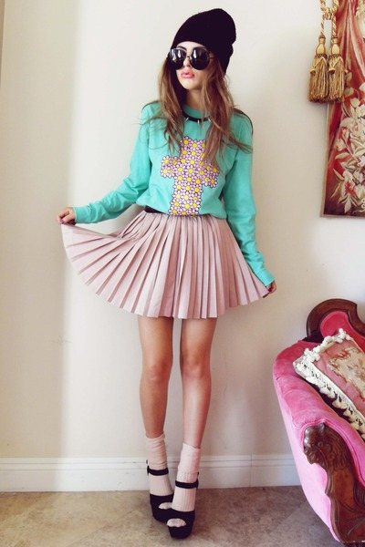 pink romwe skirt - black black beanie H&M hat