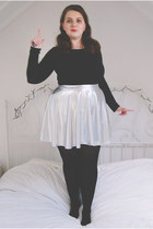 silver metallic Boohoo skirt - black basic Primark top