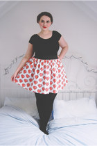 red heart Go Follow Rabbits skirt - black jersey Primark bodysuit