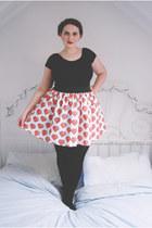 red heart Go Follow Rabbits skirt - black jersey Primark bodysuit