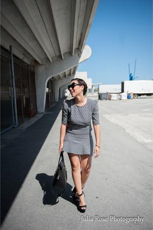 charcoal gray Agaci skirt - black Agaci top