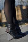 Asos-boots-h-m-skirt-new-yorker-sweatshirt