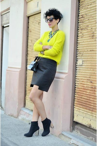 Zara necklace - Zara boots - H&M Trend sweater - wwwoasapcom sunglasses