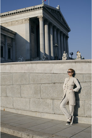 H&M blouse - H&M Trend pants - H&M Trend sneakers