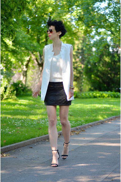 Sheinside vest - giantvintage sunglasses - H&M Trend top