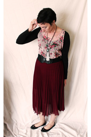 green necklace - pink shirt - black UO flats - brick red American Rag skirt