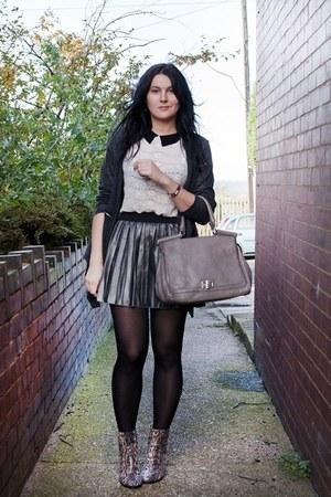 charcoal gray Primark skirt