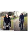 Black-atmosphere-coat
