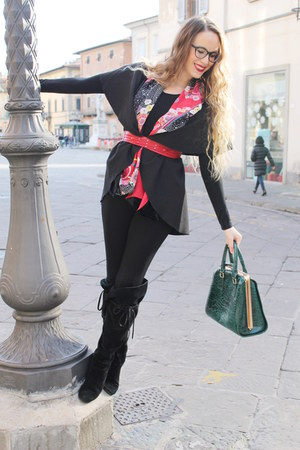 red silk and velvet Kenzo scarf - black house of harlow boots