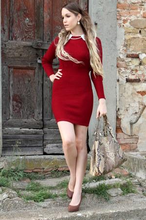 white pearl vintage earrings - ruby red bodycon blackfive dress