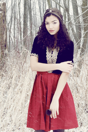 medium length thrifted vintage skirt