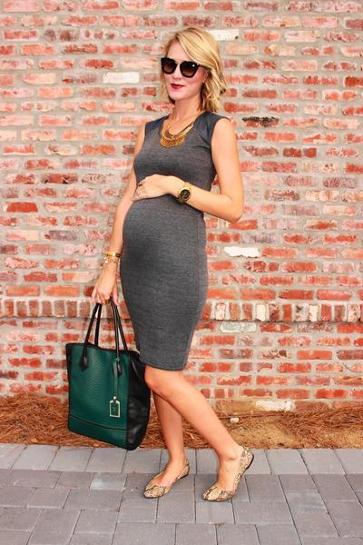 charcoal gray maternity NOM dress - forest green GiGi New York bag