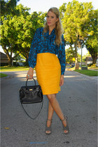black thrifted vintage bag - charcoal gray suede Dolce Vita heels - yellow thrif