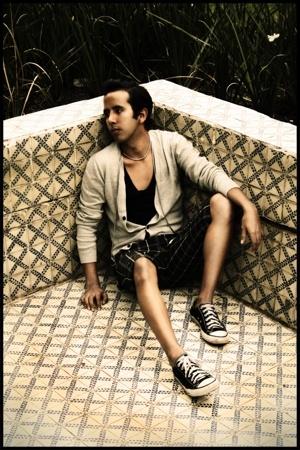 Vans shorts - Osklen necklace - Esprit sweater - Converse shoes - aa t-shirt