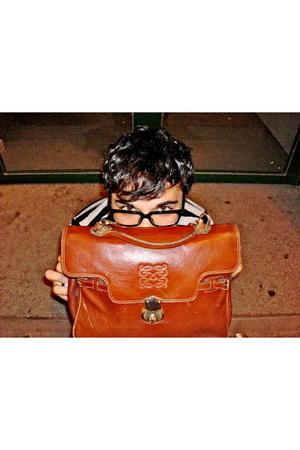 Buirberry coat - Ray Ban glasses - loewe purse - the who t-shirt