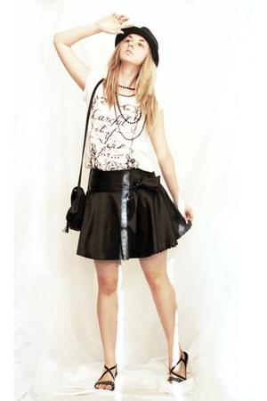 black hat - black bag - black skirt - black sandals - white blouse