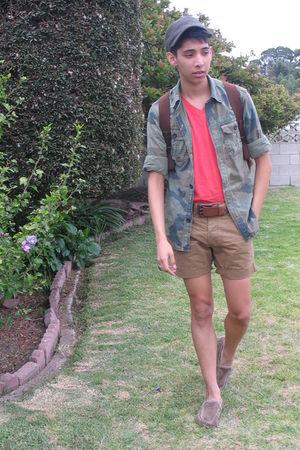 green farmers market hat - orange H&M t-shirt - American Eagle shirt - beige sho