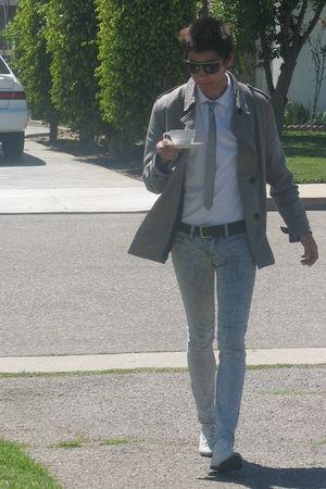gray Heritage 1981 coat - silver Heritage 1981 tie - white Gap shirt - gray PacS