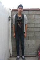 black DIY t-shirt - gray shoes - blue Forever 21 jeans - silver Macys necklace