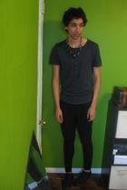 silver Forever 21 necklace - gray H&M t-shirt - black Forever 21 pants - black p