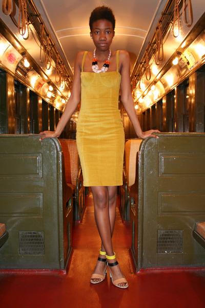 green Zara heels - olive green corduroy dress Alissa Chapman dress