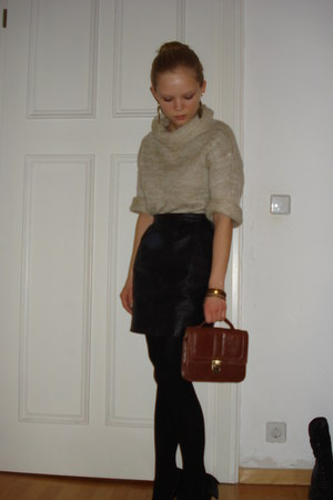 leather Secondhand skirt - H&M sweater - H&M tights - New Yorker bag