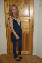 blue H&M top - blue GINA TRICOT pants - black shoes - black Dixie purse - silver