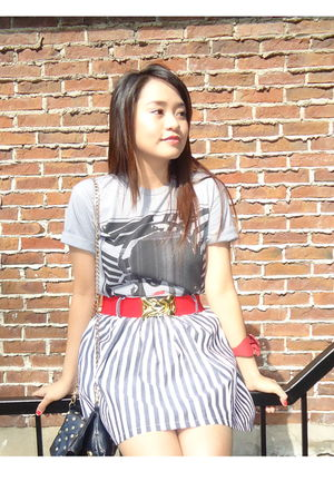Forever 21 skirt - red Forever 21 belt - gray Forever 21 t-shirt - red modcloth