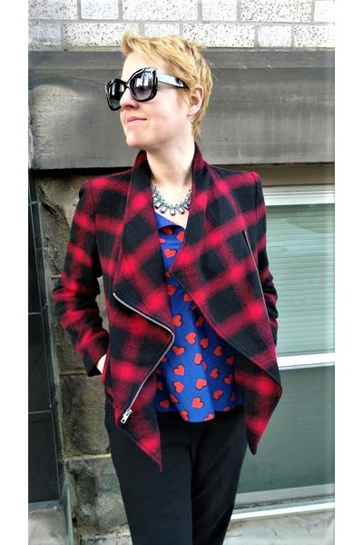 b0e2a5552b98 maroon plaid BB Dakota jacket - blue hearts Gap shirt - black Uniqlo pants